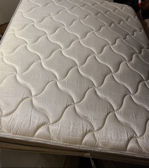 Eurotop Queen Mattress for Sale in Franklin, TN