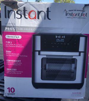 Instant Pot Vortex Plus 10QT 7-in-1 Digital Air Fryer Oven 1500W for Sale in Whittier, CA
