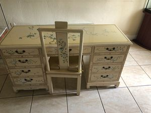 Antique desk w/chair..BEST OFFER .. solid wood..good condition for Sale in Opa-locka, FL