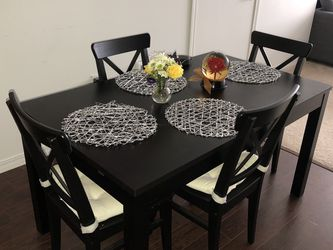 Beautiful Black/brown Kitchen Table/4 Chairs for Sale in Kirkland,  WA
