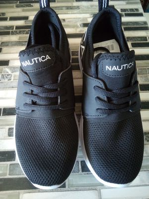 Nautica black and white girls youth shoes size 2 for Sale in Hesperia, CA