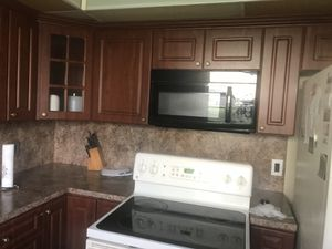 Kitchen cabinets for Sale in Pembroke Pines, FL