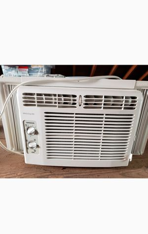 AC window unit small for Sale in Washington, DC
