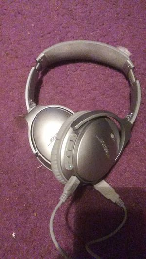 Bose QuietComfort 35 II Bluetooth Wireless Over-Ear Headphones for Sale in Yardley, PA