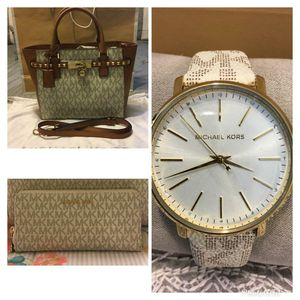 New Authentic Michael Kors Bag, Wristlet Wallet and Watch for Sale in Lakewood, CA
