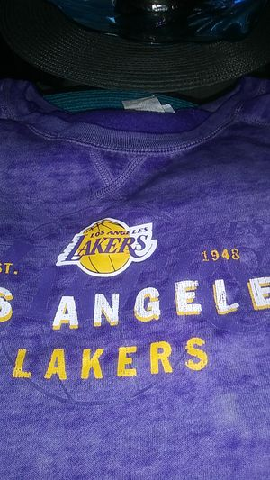 Lakers new medium long sleeve sweater for Sale in Los Angeles, CA