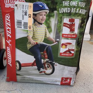"""Radio Flyer 10"""" Tricycle for Sale in Norwalk, CA"""