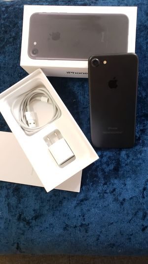 IPhone 7 32 Gigs for Sale in San Diego, CA