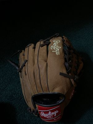 Rawlings player preferred children's glove for Sale in Los Angeles, CA