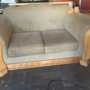 FREE Couch for Sale in Riverview, FL