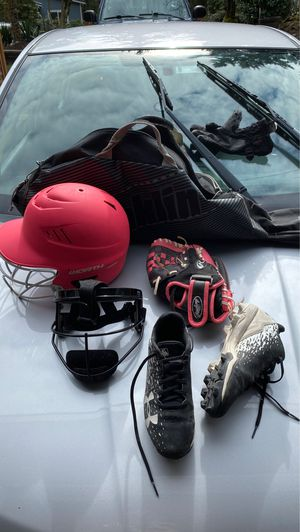 Softball helmet face guard, glove, cleats size 3y and bag. for Sale in Bothell, WA