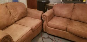Sofá & love seat for Sale in El Paso, TX