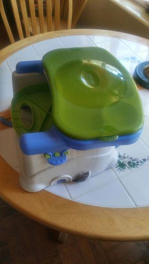 Portable eating booster seat for Sale in Orlando, FL