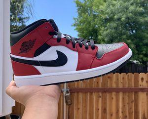 New Nike Air Jordan 1 Retro Mid Chicago Black Toe for Sale in Elk Grove, CA