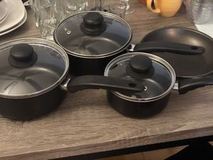 Black Pots and Pans w/Lids set of 4 for Sale in Hampton, VA