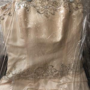 Anjolique Bridal Dress for Sale in Avondale, AZ