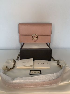 NWT GUCCI Interlocking GG Calfskin Shoulder Wallet on Chain Bag Soft Pink $1490 for Sale in Los Angeles, CA