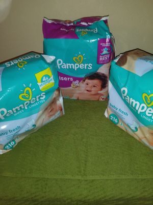 1 size 4 Pampers and 2 diaper wipes 216 for Sale in Orlando, FL
