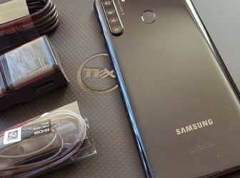 Samsung Galaxy A21 - just like new, factory unlocked, clean IMEI for Sale in Alexandria,  VA