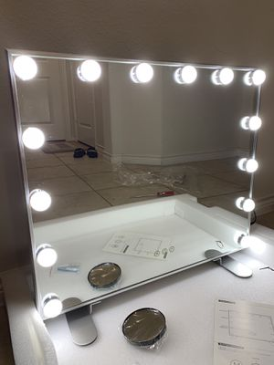 Hollywood Vanity Makeup Tabletop or Wall Mounted, Dimmable w/ 3Modes Mirror for Sale in Anna, TX