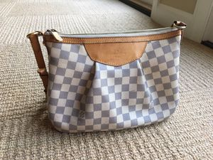 Louis Vuitton Siracusa Mm Damier for Sale in Norfolk, VA
