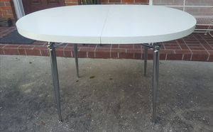 Vintage White Formica Kitchen/Dining Room Table Chrome Legs for Sale in Orlando, FL