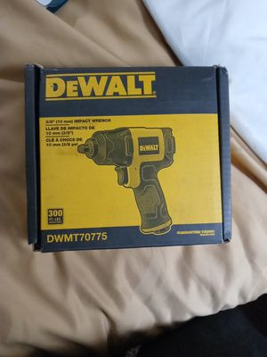 """Selling dewalt 3/8"""" impact wrench for Sale in Tacoma, WA"""