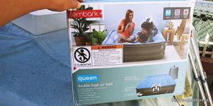 Queen size double air mattress for Sale in Lakewood, CA
