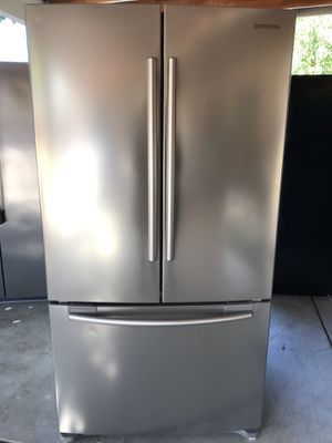 Samsung stainless steel refrigerator for Sale in Fresno, CA