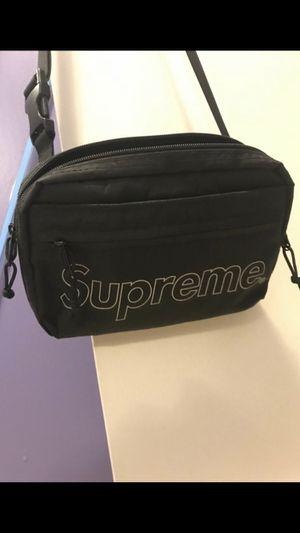 Supreme fw18 shoulder bag for Sale in Vancouver, WA