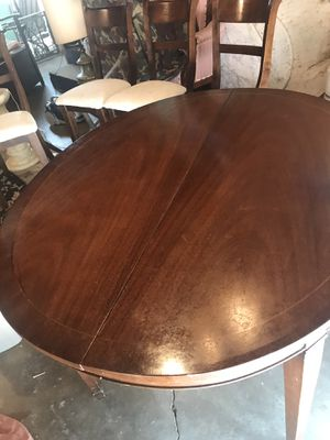 Antique dinning table with chair for Sale in Los Angeles, CA