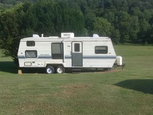 1994 Dutchsman 8ft X 26ft white camper for Sale in Fort Knox, KY