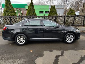2013 Ford Taurus SE Only 76000 miles!! for Sale in West Somerville, MA