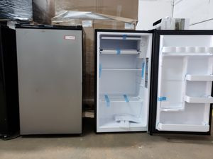 Mini fridge nevera neverita frigobar freezer mini fridge nevera for Sale in Lauderhill, FL