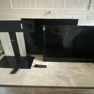 Seiki TV with stand for Sale in Chesapeake, VA