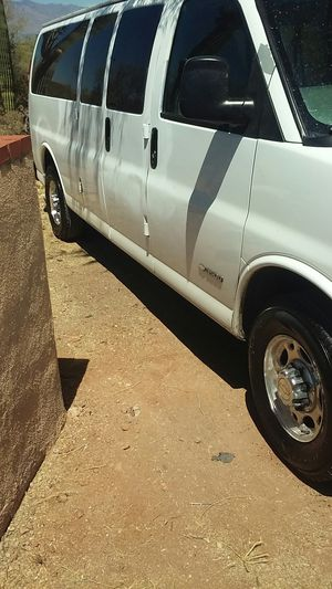 Chevy express van 15 passengers for Sale in Tucson, AZ