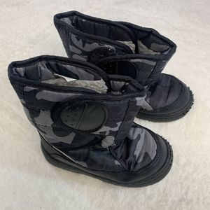 Boys Toddler 9 Camo boots in good shape! for Sale in Sharonville, OH