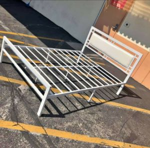 New metal bed frame twin for Sale in Norwalk, CA