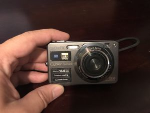 Sony cyber shot camera for Sale in Thompson's Station, TN
