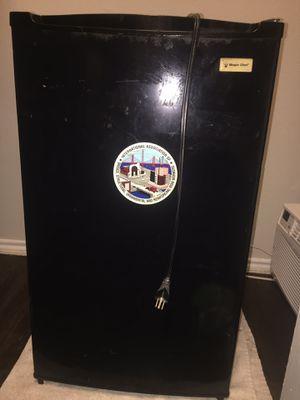 Magic Chef personal Refrigerator for Sale in Austin, TX