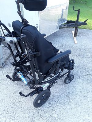 Handicap wheelchair Solara 3-g by Invacare for Sale in Port St. Lucie, FL