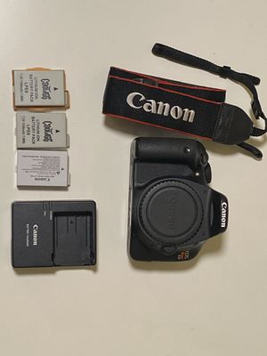 Canon T2i with three batteries for Sale in Chino Hills, CA