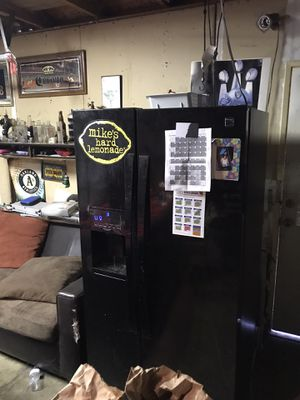 Kenmore elite fridge . With water hook up.. and ice maker. Works perfect . Has some scratches normal wear.. also missing drawer doors. That's for Sale in Stockton, CA