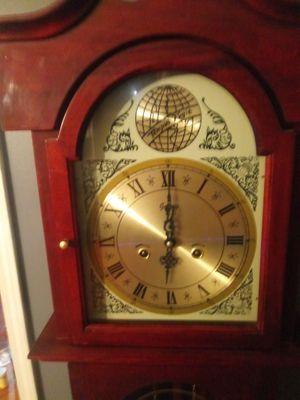 Tempus fugit 31 day galleria grandfather clock for Sale in Aberdeen, MS