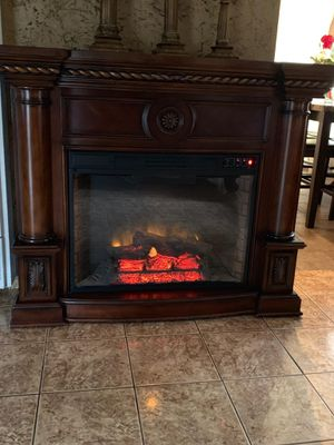 Big fireplace, heater can also be use as tv stand.....chimenea grande , calenton for Sale in Huntington Park, CA