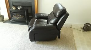 Black leather recliner, excellent condition like new. for Sale in Ocean Pines, MD