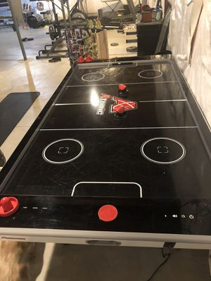 8ft Arcade size Atomic Avenger Air Hockey Table for Sale in Dublin, OH