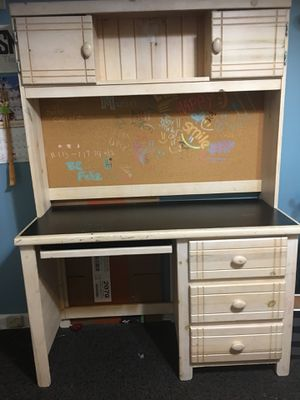 Kids desk table for Sale in Smyrna, GA