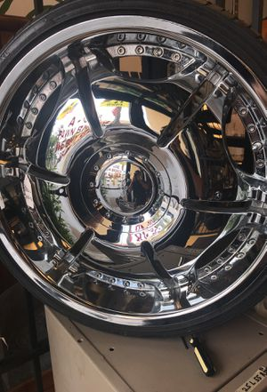 22 inch chrome rims for Sale in Pompano Beach, FL