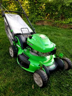 """Lawn-Boy 21"""" Self-Propelled Lawn Mower for Sale in Hillcrest Heights, MD"""